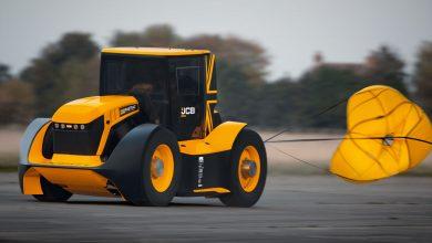 Photo of 1.030 beygirlik traktör: JCB Fastrac Two
